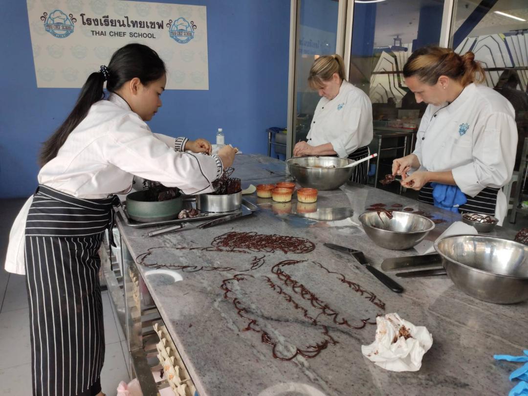 Chef Dao Chocolate Decoration Training Bangkok Thai Cooking Academy